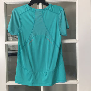 Jungle Green Gap Workout Top with Reflective